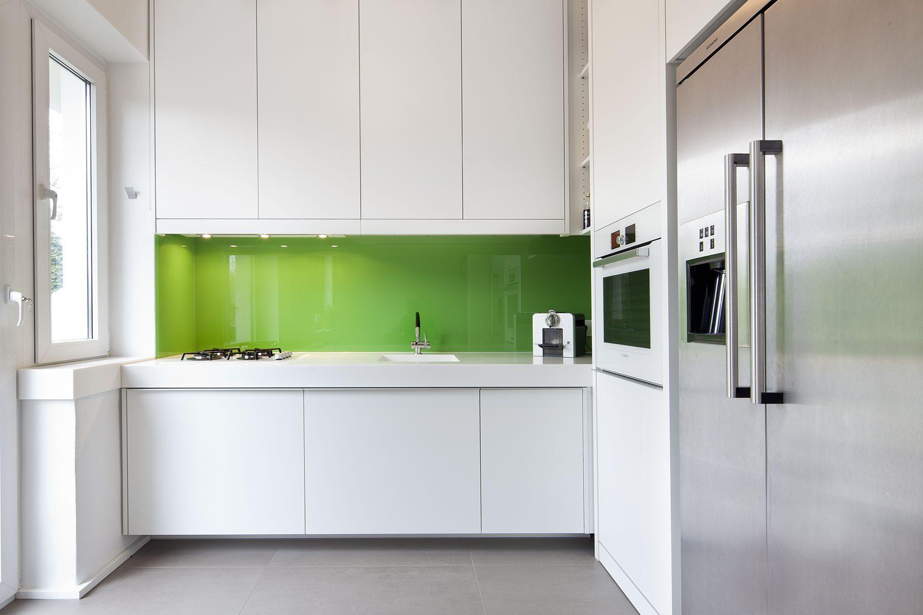 gestaltung k che schmaler tisch k che algerische. Black Bedroom Furniture Sets. Home Design Ideas