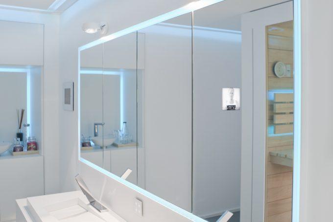 LED Beleuchtung Spiegelschrank