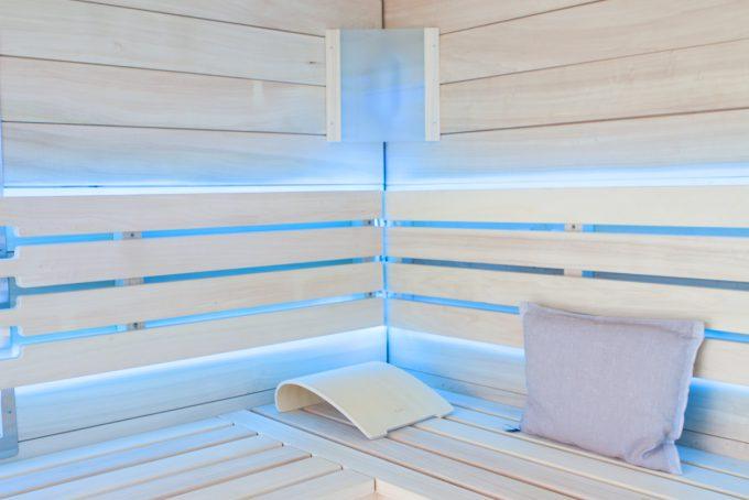 Sauna aus Espen Holz mit LED Beleuchtung