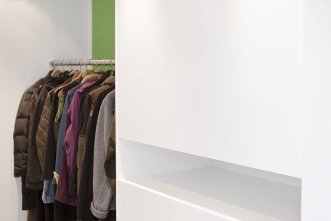 Garderobe in weiß Lack