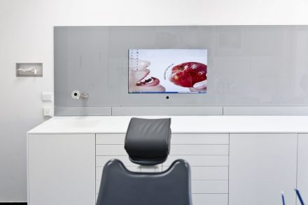 TV Wand für Computer